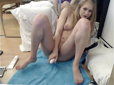 Siswetlive.com *** babe siswet19 fingering herself on live webcam