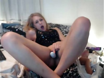 Girls4cock.com *** Sexy Teen Squirts in Camera