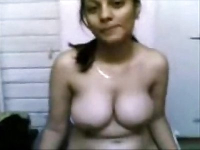 Priyanka showing her nude body and spreading her pussy