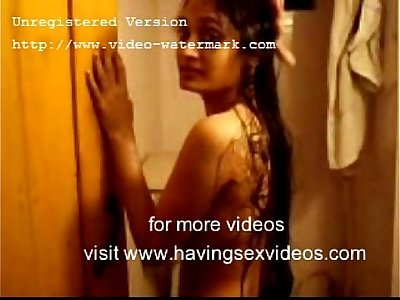 Desi Boyfriend Fucked Her Girlfriend in Bathroom